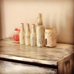 Bottiglie e barattoli..... Un pò Di vernice...e il gioco è fatto...