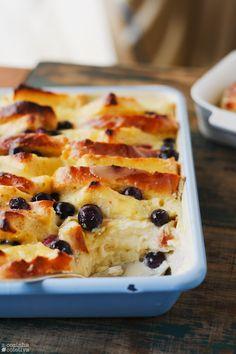 A Cozinha Coletiva: Pudim de pão com curd de limão e mirtilos