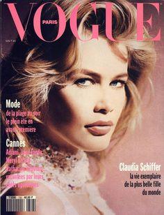 Claudia Schiffer en couverture du numéro de mai 1992 de Vogue Paris http://www.vogue.fr/thevoguelist/claudia-schiffer/62