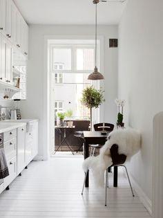 tiny-terrace-garden-kitchen-gardenista