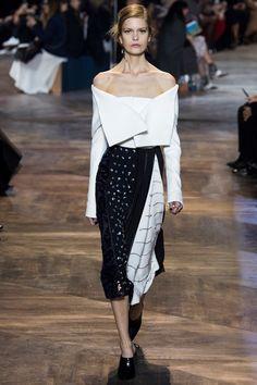 Sfilata Christian Dior Parigi - Alta Moda Primavera Estate 2016 - Vogue