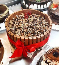 Torta KIT KAT #confeitariapolos#goiania (em Polos Pães e Doces)