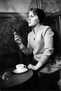 22 Vintage Photographs That Capture Women Smoking Cigarettes in the Women Smoking Cigarettes, Coffee And Cigarettes, Little Girl Smoking, Carol Reed, Urban People, People Smoking, Graham Greene, Magazine Pictures, Hollywood Icons