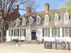 Raleigh Tavern, one of the places where Thomas Jefferson and other patriots met to plan the American Revolution, Williamsburg, VA, USA.