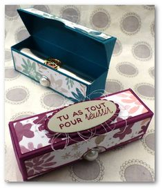 Coul'Heure Papier: Etui pour Rouge à Lèvres (ou pas !!) [Tutoriel] Box Packaging Templates, Hannelore Drews, Wood Craft Patterns, How To Make Box, Punch Board, Paper Cards, Paper Boxes, Stamping Up, Craft Fairs