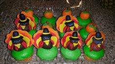 Thanksgiving cupcakes! So adorable!!