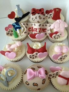 Hen party cupcakes. If you're need hen activity or package ideas, visit www.henweekends.co.uk