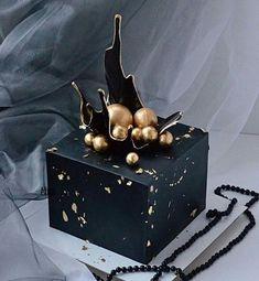 Elegant Birthday Cakes, Birthday Cakes For Men, Beautiful Birthday Cakes, Beautiful Cakes, Amazing Cakes, Square Cake Design, Cake Design For Men, Square Cakes, Cake Decorating Videos