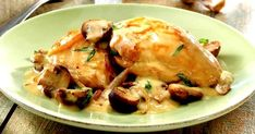 This chicken with white wine & cream sauce recipe from Target recipes makes it easy to cook up a delicious treat in no time at all. Homemade Ciabatta Bread, Sour Cream Mashed Potatoes, Chicken Scallopini, Food Network Recipes, Cooking Recipes, Cooking Food, Wine Recipes, Sauce A La Creme, Creamy White Wine Sauce