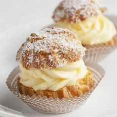 Learn how to prepare this easy Choux à la Crème (Cream Puffs) recipe like a pro. With a total time of only 40 minutes, you'll have a delicious dessert ready before you know it. Cream Puff Recipe, Sweetened Whipped Cream, Good Food, Yummy Food, French Pastries, Creme, Nutella, Delicious Desserts, Food And Drink