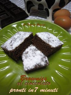 brownies al microonde veloci Sweet Recipes, Microwave, Crisp, Cupcake, Food And Drink, Pudding, Lunch, Cooking, Desserts