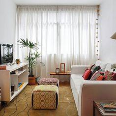 Tem uma #SalaCorredor ? Eu tenho 10 ideias para vc! #salapequena #decoração #sala