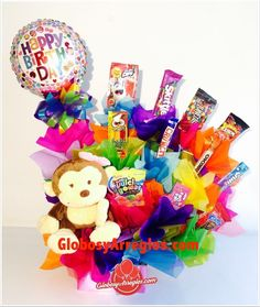 Birthday Candy, Birthday Box, Birthday Gifts, Creative Crafts, Diy And Crafts, Birthday Bouquet, Candy Cakes, Chocolate Bouquet, Candy Bouquet