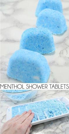 Homemade menthol shower tabletsClogged head or jam? After my brand seemed to have gone into the store, I made my own, stronger menthol shower tablets.Homemade menthol shower tablets Clogged head or jam? After my brand Shower Bombs, Bath Bombs, Diy Peeling, Bombe Recipe, Shower Steamers, Do It Yourself Inspiration, Bath Bomb Recipes, Bath Melts, Homemade Soap Recipes