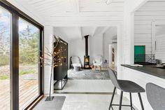 Miete Ferienhaus 1285-N in Rådyrvej 4, Tisvildeleje Danish Interior Design, Rustic Industrial, Oversized Mirror, Minimalist, Inspiration, Furniture, Places, Home Decor, Grand Entryway