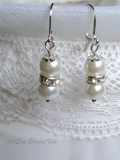 Bridal jewel earring white pearl and strass by arterabridalveil, $12.00