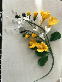 Sugar Flowers, Wreaths, Home Decor, Door Wreaths, Deco Mesh Wreaths, Interior Design, Home Interior Design, Floral Wreath, Home Decoration