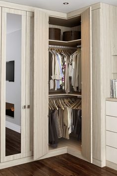 Rio bedroom, L-corner wardrobe solution
