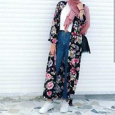 kimono-Casual chiffon kaftans with hijab – Just Trendy Girls Hijab A Enfiler, Hijab Chic, Casual Hijab Outfit, Modern Hijab Fashion, Muslim Fashion, Eid Outfits, Fashion Outfits, Summer Outfits, Fashion Trends