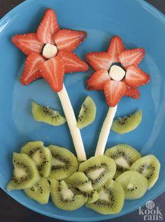 Flower Snack Plate - great food art snack for spring! Flower Snack Plate - great food art snack for spring! Toddler Meals, Kids Meals, Toddler Food, Cute Kids Snacks, Kid Snacks, Fruit Snacks, Kids Fun, Cute Food, Good Food