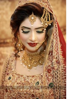 "milk-honey-tea: "" Madhuri Dixit in Devdas "" Bridal Makeup Looks, Indian Bridal Makeup, Bridal Looks, Bridal Style, Madhuri Dixit, Wedding Wear, Wedding Bride, Wedding Outfits, Wedding Venues"