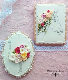 Shabby chic art on cookies by Libuša Bartošová