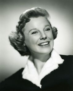 June Allyson - June Allyson was an American stage, film, and television actress, dancer, and singer. Allyson began her career in 1937 as a dancer in short subject films and on Broadway in She signed with MGM in and rose to fame the fol Old Hollywood Glamour, Golden Age Of Hollywood, Vintage Hollywood, Hollywood Stars, Classic Hollywood, June Allyson, Classic Actresses, Actors & Actresses, Glenn Miller