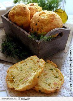 Wiejskie bułeczki z boczkiem, serem i cebulką  Składnik…