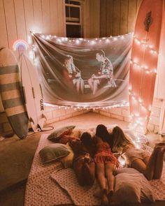 Hey, can we come to movie night? Photos Bff, Best Friend Photos, Best Friend Goals, Sleepover Room, Fun Sleepover Ideas, Girls Sleepover Party, Cute Friends, Best Friends, Fall Friends