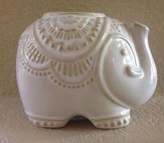 CYNTHIA ROWLEY ELEPHANT CERAMIC TOOTHBRUSH HOLDER / PENCIL HOLDER CREAM #CynthiaRowley