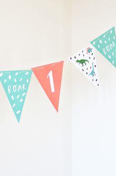 男の子ママ必見!恐竜テーマのパーティーアイディアを一挙ご紹介♪ | ARCH DAYS First Birthday Parties, 4th Birthday, First Birthdays, Themed Cakes, Party Ideas, Arch, Website, Boys, Fiction