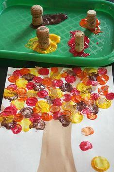 Herbstdeko basteln - Tolle DIY Bastelideen zum Herbstanfang Kids Crafts thanksgiving diy crafts for kids Thanksgiving Crafts For Toddlers, Fall Toddler Crafts, Autumn Crafts Kids, Summer Crafts, Baby Fall Crafts, Easy Toddler Crafts 2 Year Olds, Fall Leaves Crafts, Harvest Crafts For Kids, Craft Kids
