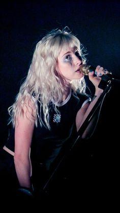 Paramore in Phoenix, Arizona at Comerica Theatre - 09/27/17