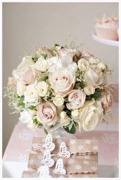 Blush and Cream Wedding Flowers Bouquet Pink Dessert Tables, Pink Centerpieces, Table Flowers, Bride Bouquets, Bridal Flowers, Wedding Table, Wedding Ideas, Wedding Cakes, Floral Wedding