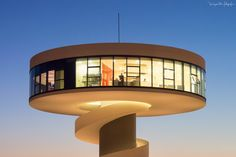 Atardecer Niemeyerano by Diego Garin Martin on 500px