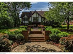 3008 Courtland Blvd, Shaker Heights, OH