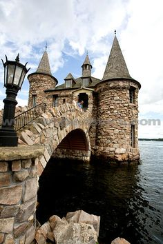 Boldt Castle Power House, NY www.worldofstock.com
