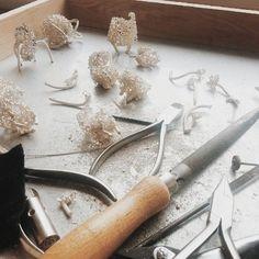 By Elisabeth Habig. Work in progress. Elisabeth, Brooches, Jewelry Making, Schmuck, Brooch, Jewellery Making, Make Jewelry, Diy Jewelry Making