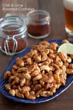 Chili lime roasted cashews from What's Gaby Cooking Cashew Recipes, Mexican Food Recipes, Vegan Snacks, Yummy Snacks, Healthy Snacks, Yummy Food, Healthy Recipes, Roasted Cashews, Snacks