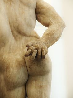 Detail : The Farnese Hercules holding the Golden Apples of the Hesperides.  early 3rd.century AD. Roman copy.