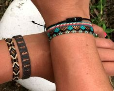 Loom Bracelet Patterns, Bead Loom Bracelets, Bead Embroidery Jewelry, Beaded Embroidery, Brick Stitch, Loom Beading, Handmade Jewelry, Bangles, Rakhi