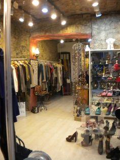 Tiendas Vintage en Estambul, NES, calle Kamekan Sokagi (subida a la Torre Galata). INTERIOR.