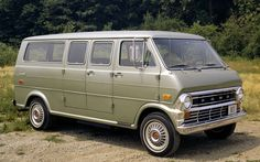 ford econoline   Ford, Econoline, Club Wagon, Grass Mustang Mach 1, Mustang Fastback, Mustang Convertible, Ford Motor Company, Car Ford, Ford Trucks, Old American Cars, Cool Vans, Van For Sale