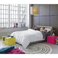 """Résultat de recherche d'images pour """"round rug bedroom"""""""