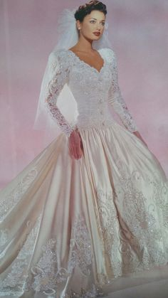 Eddy K. 1996 closed corsage with decorated fabric buttons, overall view. Wedding Dress With Veil, Gorgeous Wedding Dress, Dream Wedding Dresses, Beautiful Gowns, Bridal Dresses, Bridesmaid Dresses, Wedding Gowns, Vintage Gowns, Vintage Bridal