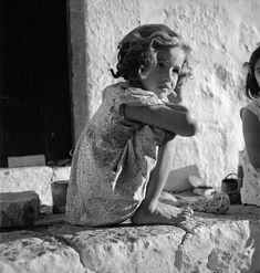 """hauntedbystorytelling: """" Voula Papaioannou :: Portrait of a girl, / source: Benaki Museum more [+] by this photographer """" Greece Pictures, Old Pictures, Old Photos, Vintage Photographs, Vintage Images, Benaki Museum, Museum Photography, Black And White Pictures, Film Stills"""