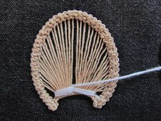 Romanian point lace step 5