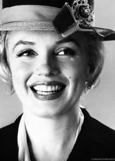 Marilyn Monroe photographed by Carl Perutz, 1958.: