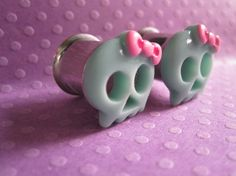 """Pair of Skull Plugs with Bows - Girly Gauges - 00g, 7/16"""""""