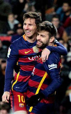 Equipe Do Barcelona, Barcelona Players, Barcelona Team, Lionel Messi Barcelona, Soccer Guys, Football Players, Gerad Pique, Messi 2015, Cr7 Junior